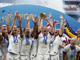 Women's soccer of the US celebrates its most recent and most important win